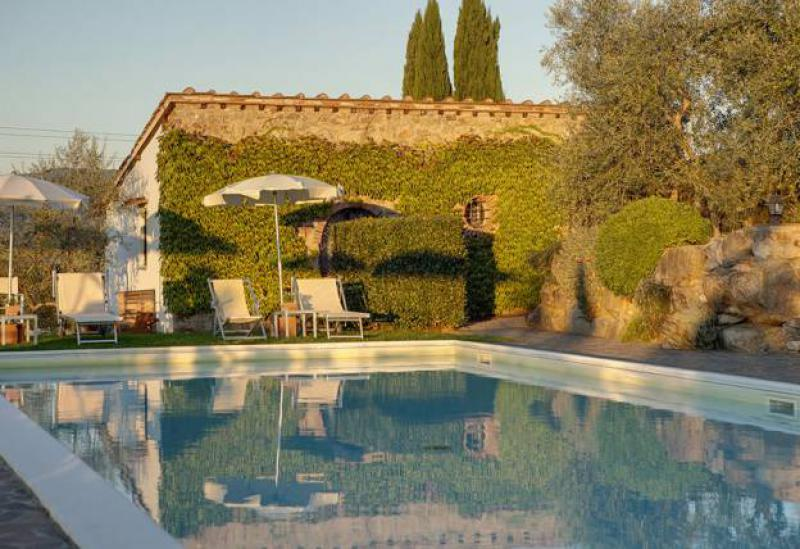 Agriturismo Tuscany Agriturismo surrounded by vineyards near Florence, Tuscany