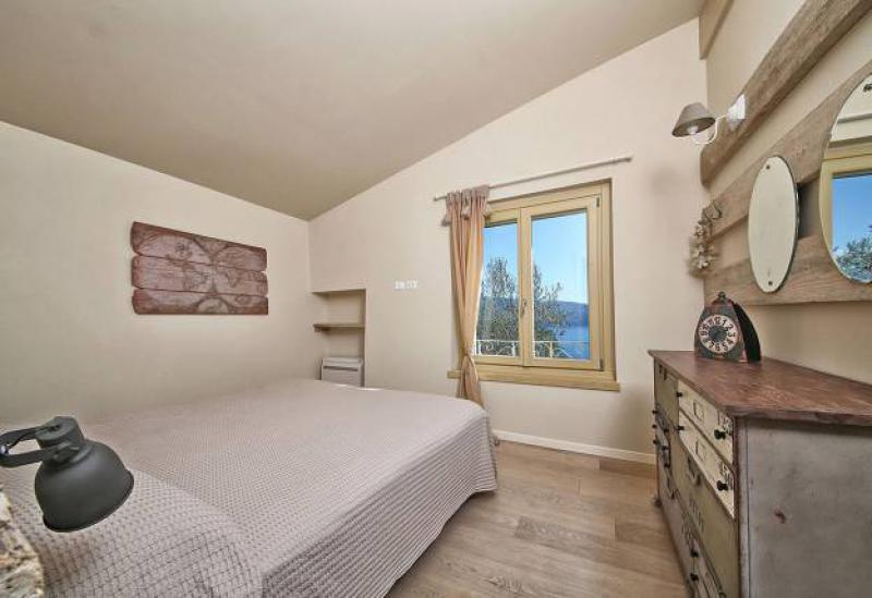 Agriturismo Lake Como and Lake Garda Charming country house with pool and views of lake Garda