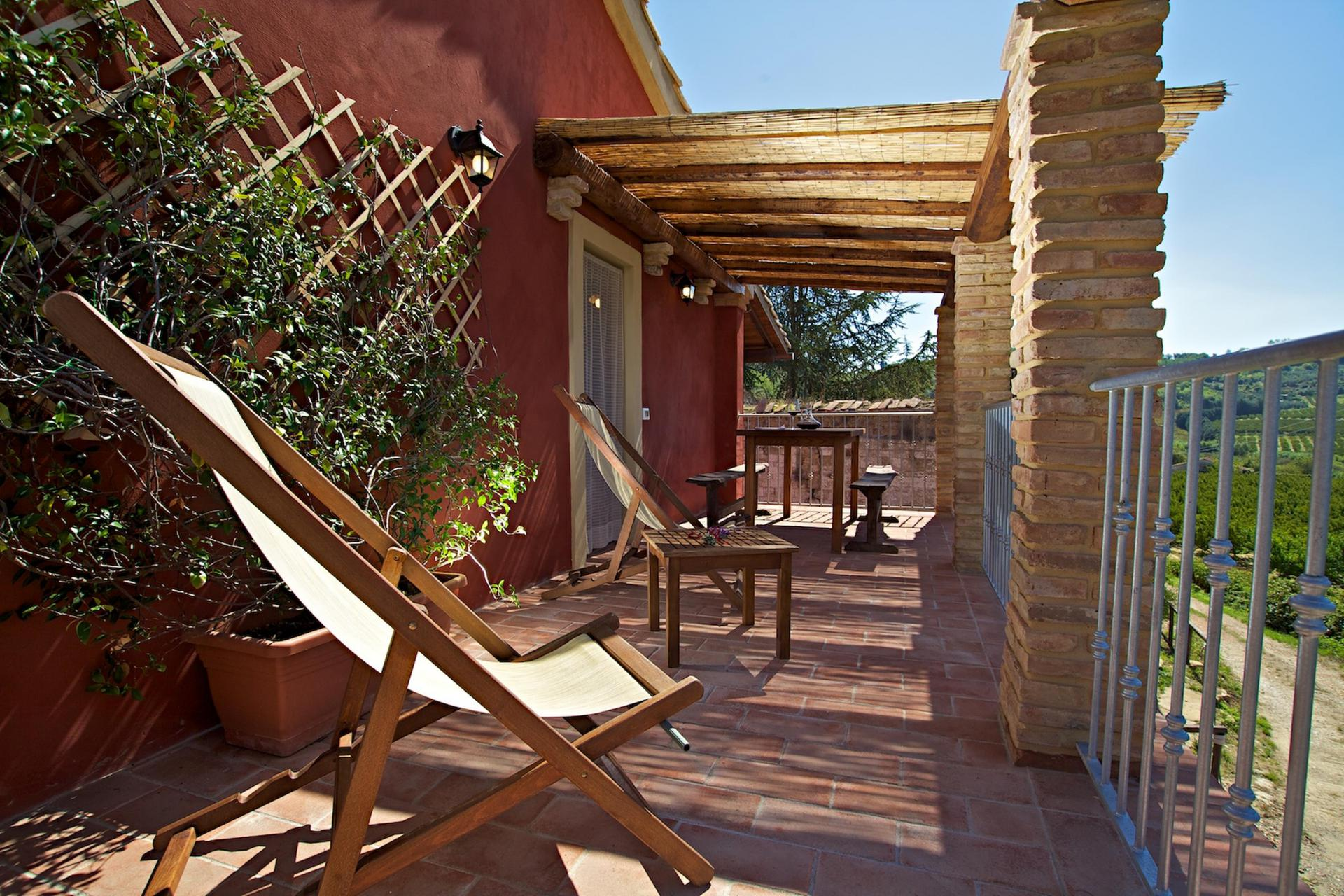 Agriturismo Tuscany Child-friendly agriturismo in Tuscany with restaurant