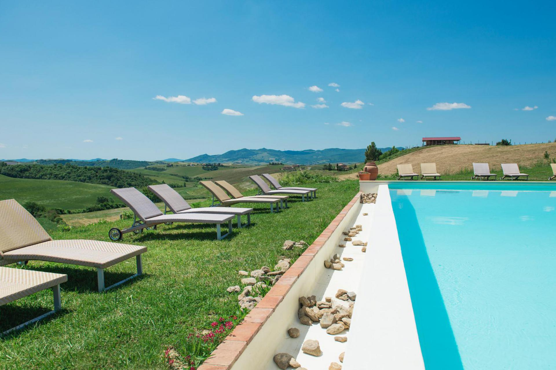Agriturismo Tuscany Fun agriturismo in Tuscany with panoramic swimming pool