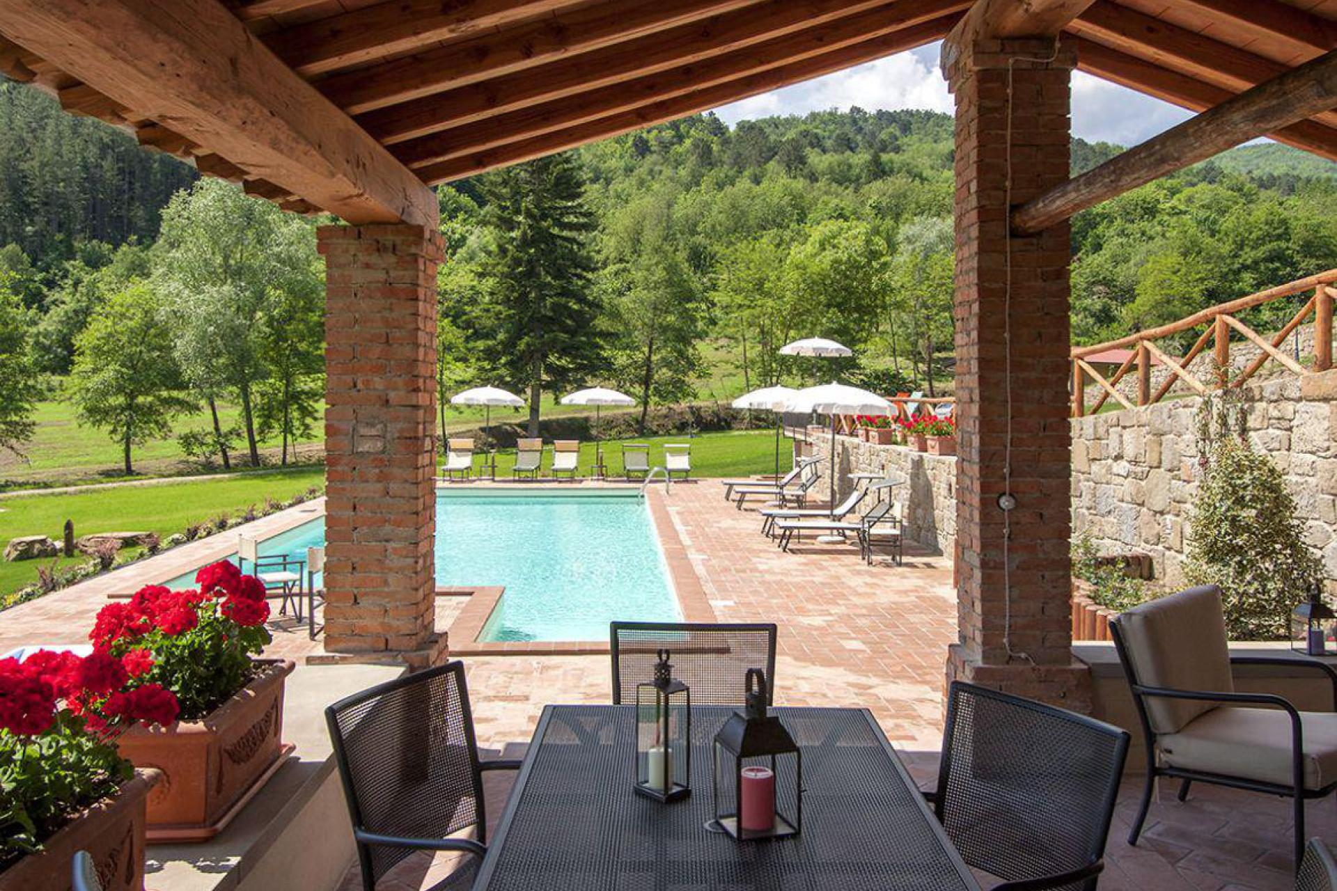 Agriturismo Tuscany Quietly situated agriturismo in Tuscany with nice views