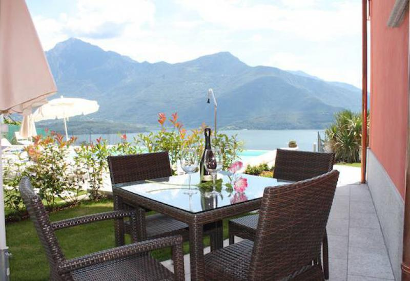 Agriturismo Lake Como and Lake Garda Small residence Lake Como with pool and great views